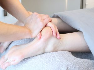 Käsi jalka pyyhe hieroja hierontatuoli
